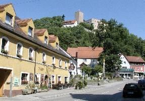 Burgen Bayern Burg Falkenstein mit Marktplatz