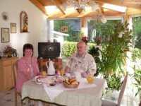 gemütliches Frühstück zum Entspannen und Erholen - schöner Urlaub in Deutschland